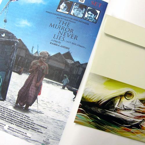 /etalase:/ Buku + DVD Laut Bercermin di Kineruku