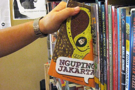 <b>Nguping Jakarta</b>:<br>Koneksi Ketawa, Kiss Per Kiss!