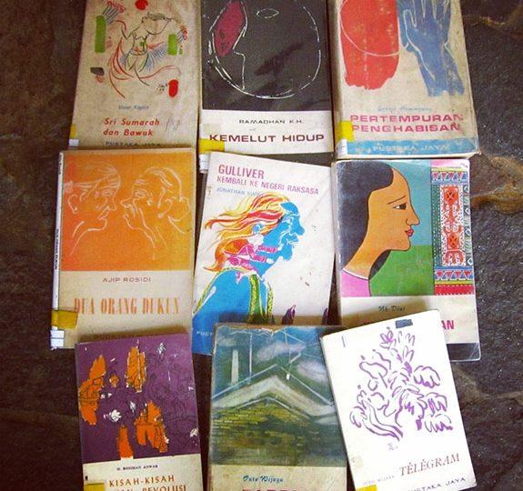 /blog:/ Kemasan Kue dan Sampul Buku