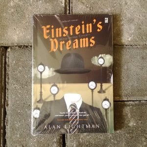 einsteins dreams essays Einstein's dreams is a 1992 novel by alan lightman that was an international bestseller and has been translated into thirty languages it was runner up for the 1994 l l winship/pen new england award.