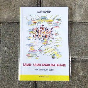 Buku-Sajak-Sajak-Anak-Matahari-1-e1521017333572
