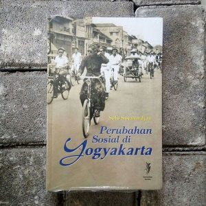Buku - Perubahan Sosial di Yogyakarta