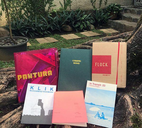 /etalase:/ Buku-buku Foto di Kineruku
